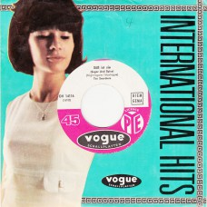SEARCHERS - Liebe / Suess Ist Sie (Vogue) Germany 1964 CS 45 (sung in German)